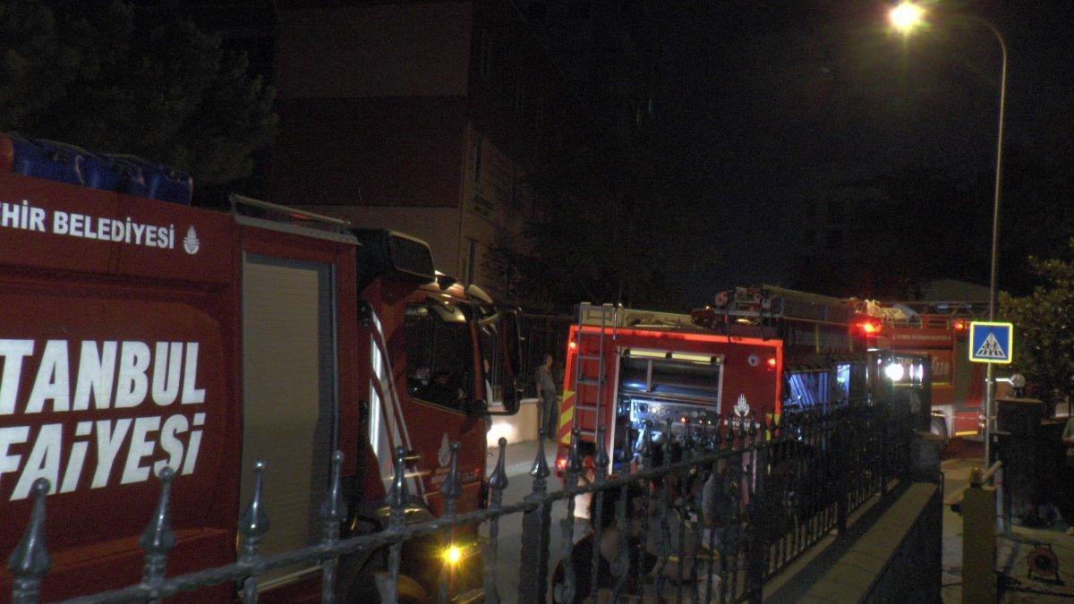 Kadıköy de depo yandı #3