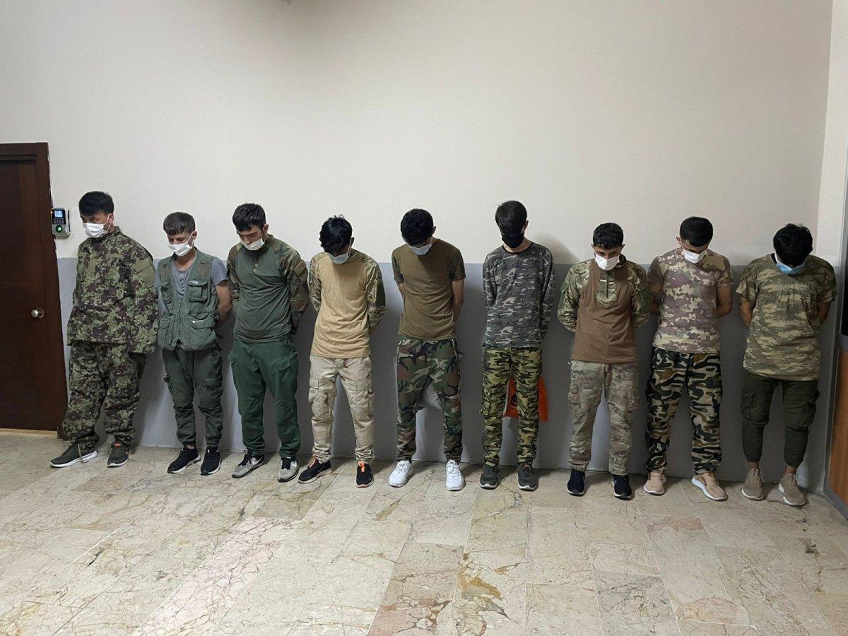 İstanbul da kamuflajla gezen Afganlara gözaltı #3