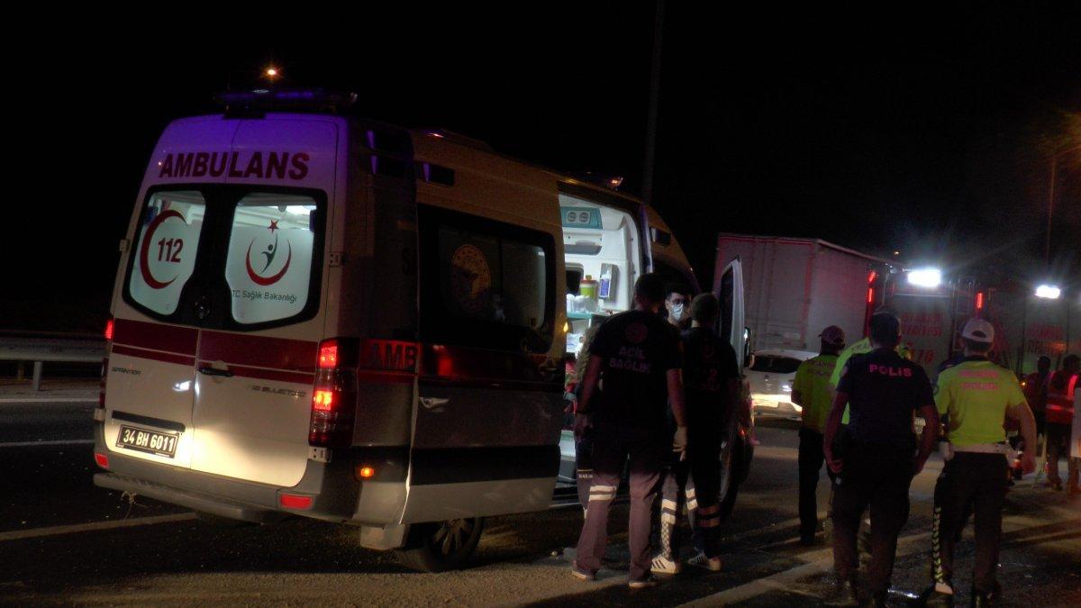İstanbul da kaza: 3'ü çocuk 7 yaralı #2