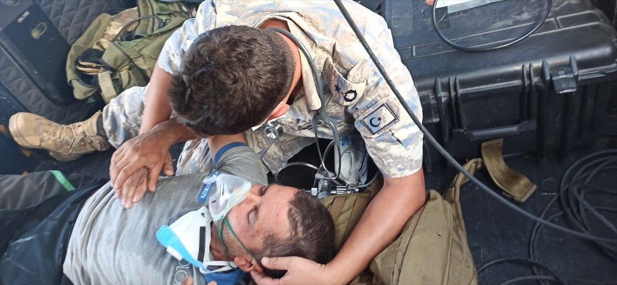 Milas taki yangında mahsur kalan kişi helikopterle kurtarıldı #2