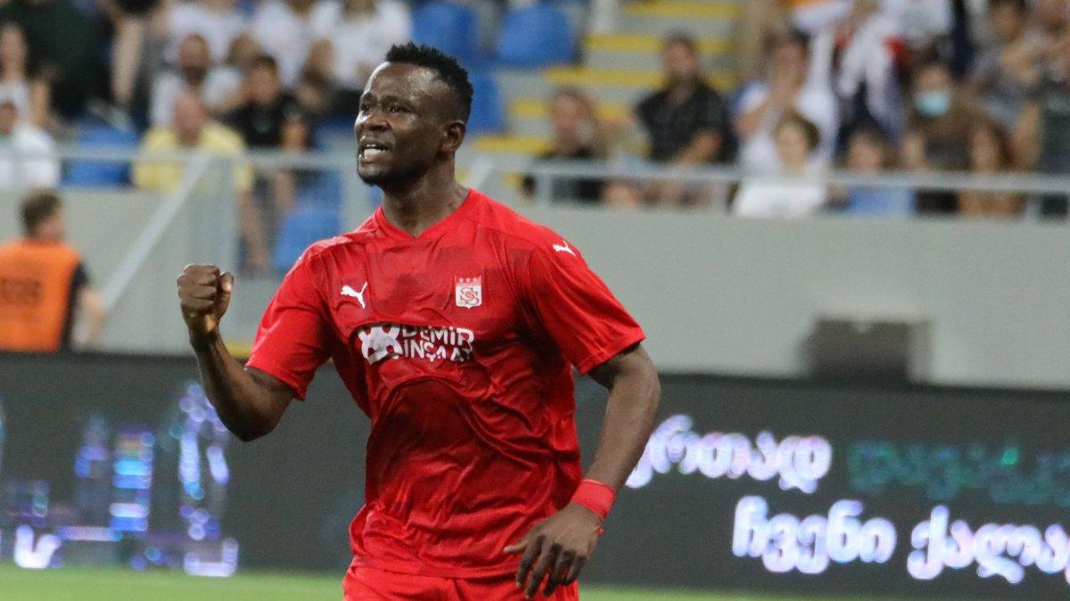 Sivasspor, Dinamo Batumi yi 2 golle geçti #2