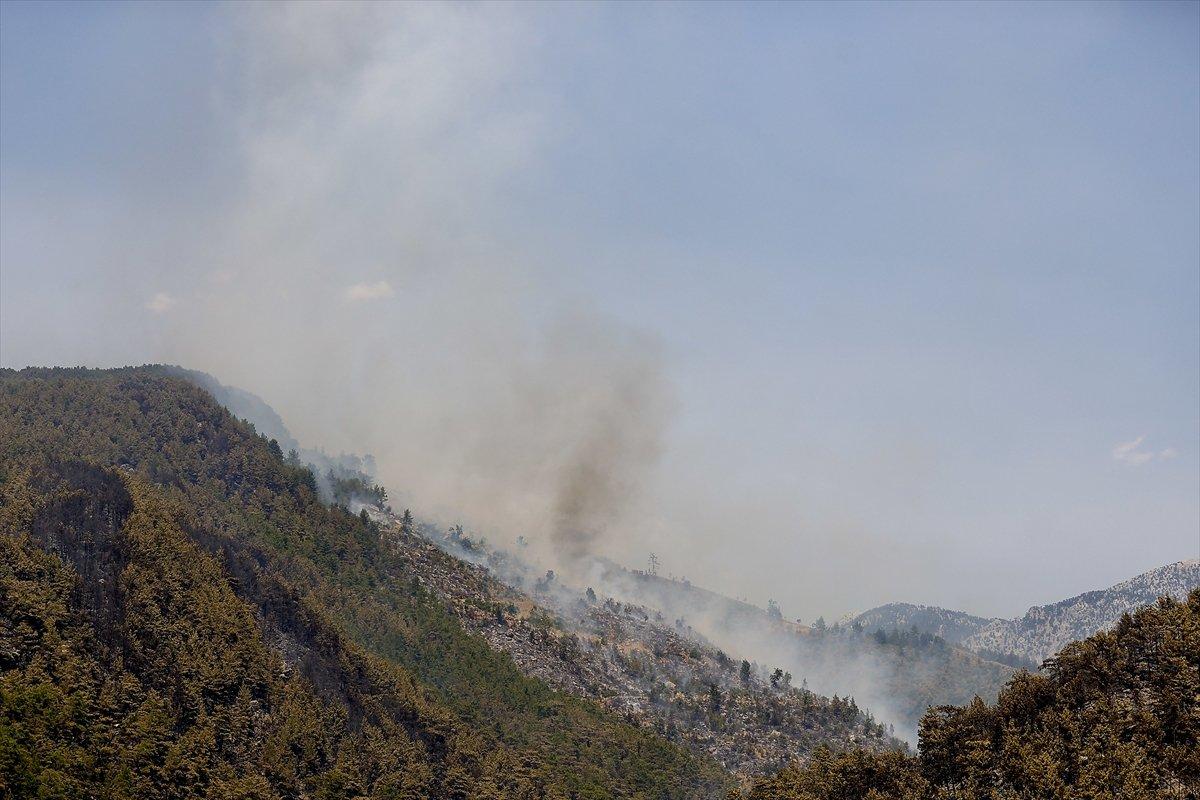 Manavgat ta alevlerin ortasında kalan orman işçisinin anonsu #4