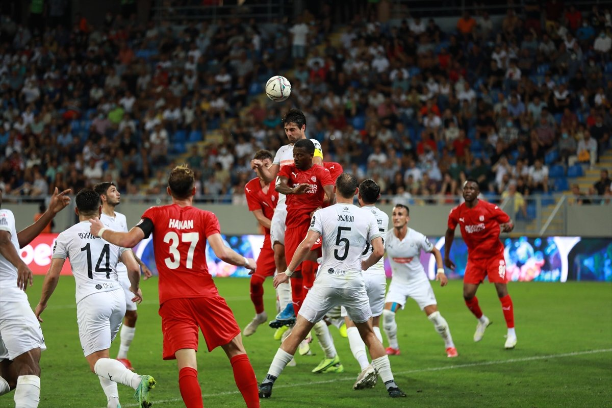 Rıza Çalımbay: Kendi sahamızdaki maç daha zor olacak #3