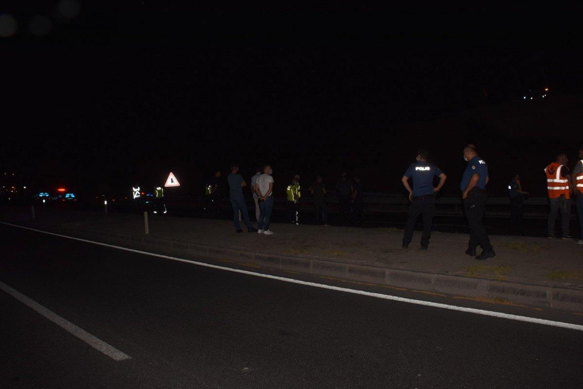 İzmir de tırın çarptığı motosiklet sürücüsü yaşamını yitirdi #1