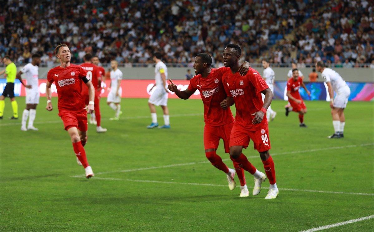 Rıza Çalımbay: Kendi sahamızdaki maç daha zor olacak #4