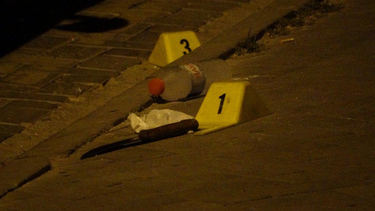 Uşak ta bıçaklı kavgada 3 kişi yaralandı #1