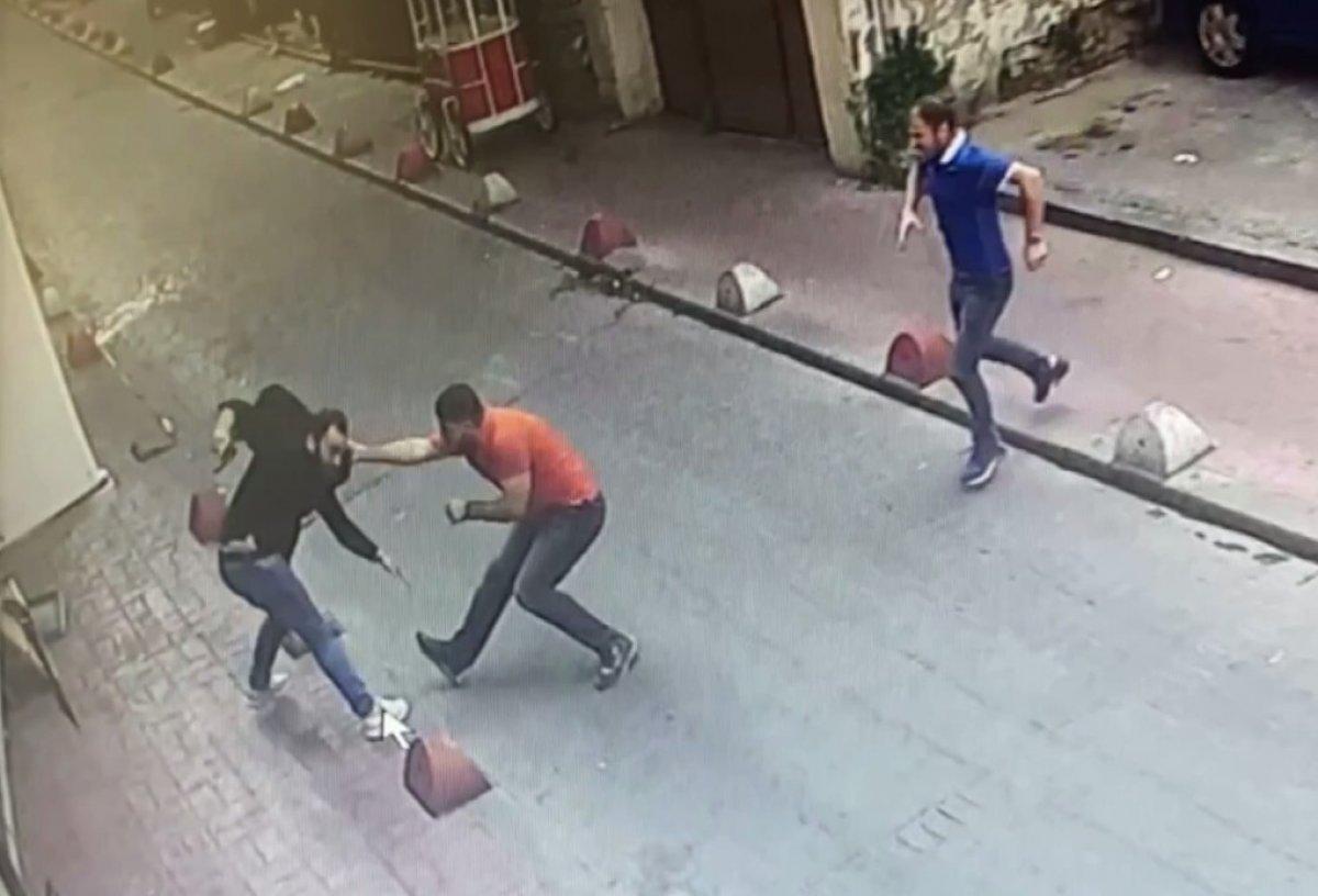 Beyoğlu nda silahlı kavga kamerada  #2
