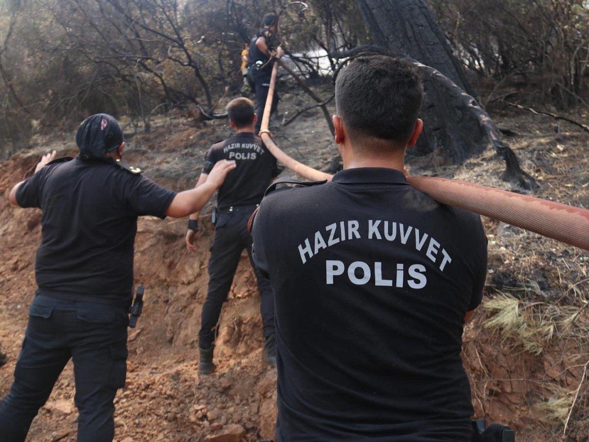 Polislerimizin yangınlarla mücadelesi böyle görüntülendi #2