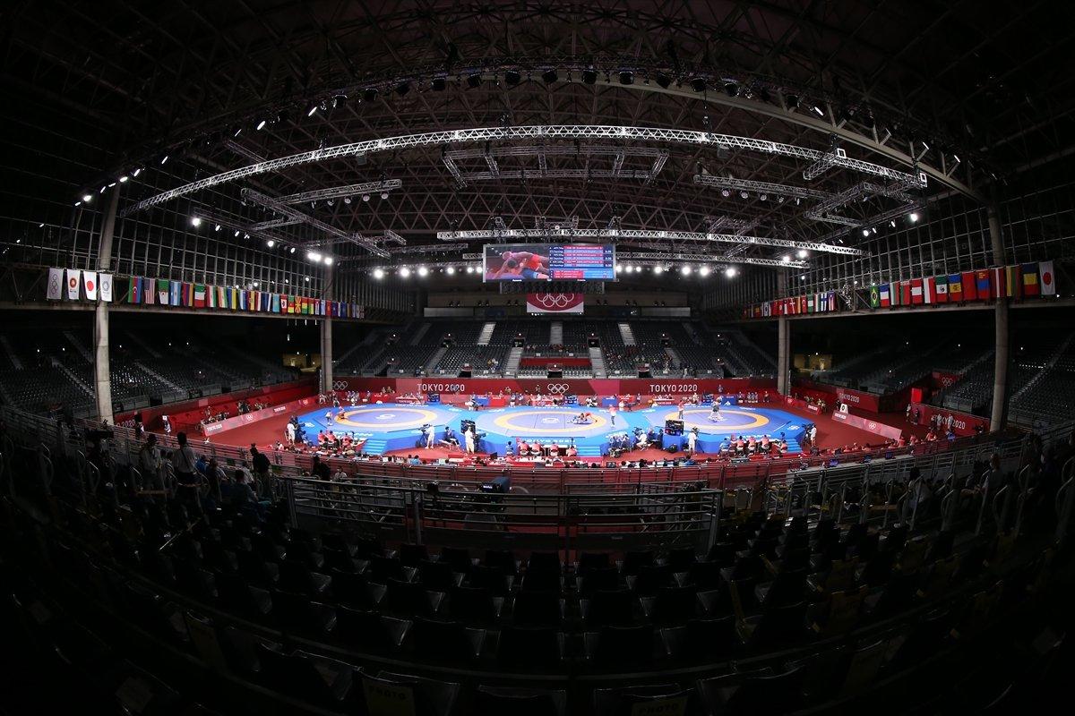 Taha Akgül, bronz madalya için güreşecek #4