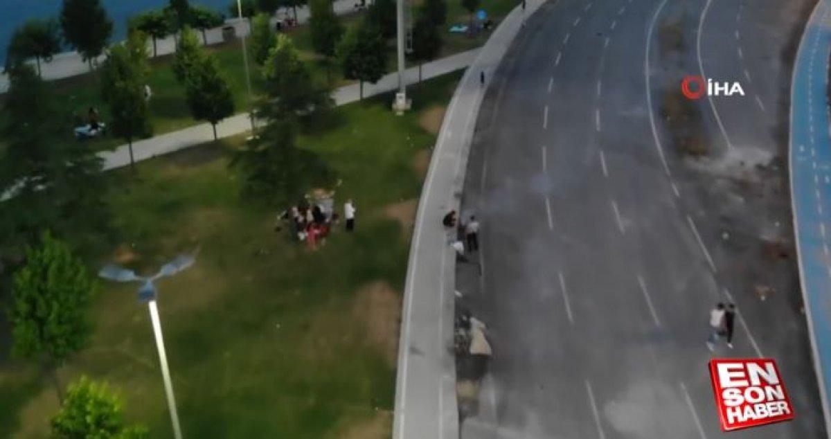 İstanbul da yol kenarında mangal yapıldı #6