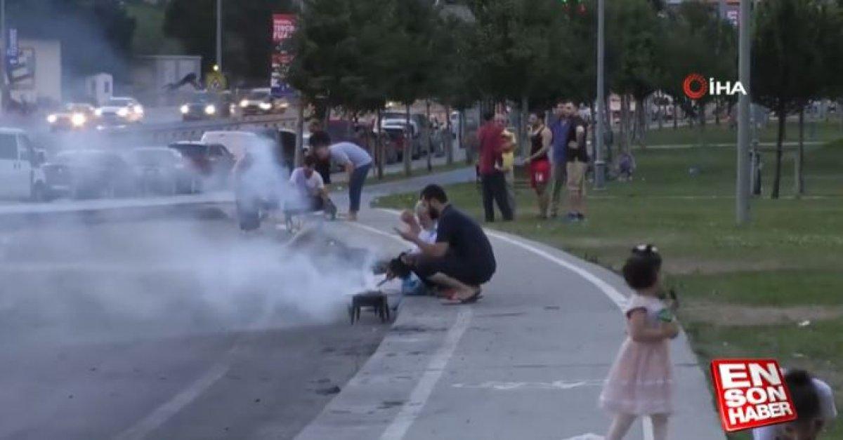 İstanbul da yol kenarında mangal yapıldı #5