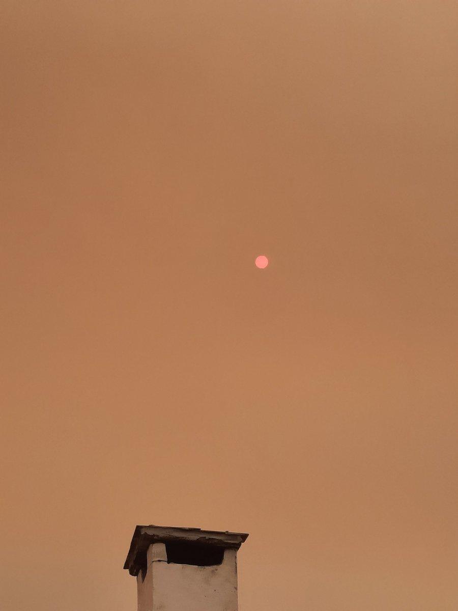 Bölgedeki yangınlar, İzmir den Çanakkale ye kadar gökyüzü rengini değiştirdi #13
