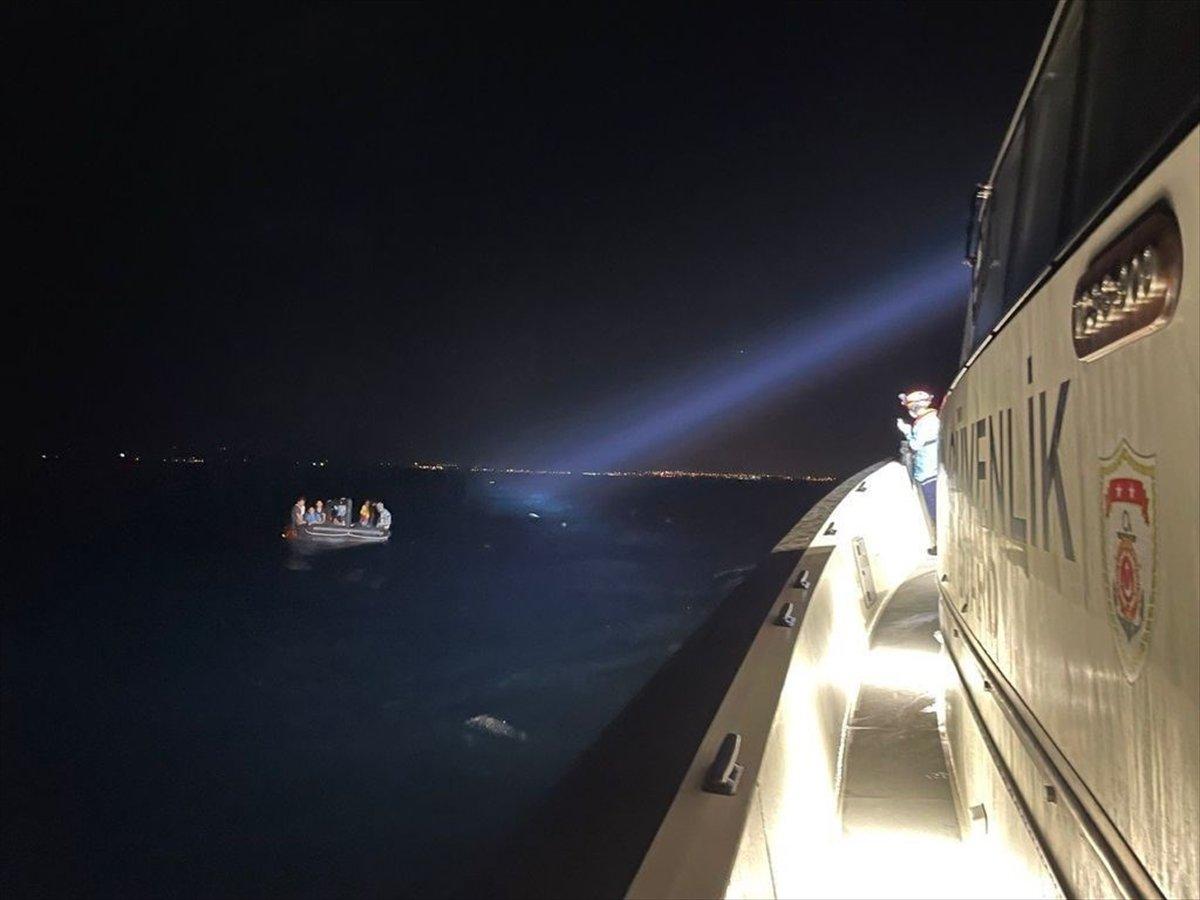 Aydın açıklarında geri itilen 14 göçmen kurtarıldı #2