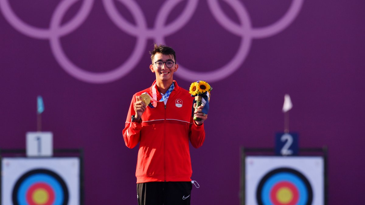Tokyo 2020 den madalyayla dönen sporcularımız #1