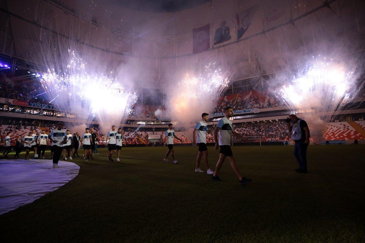 Adana Demirspor şampiyonluk kupasını kaldırdı #6