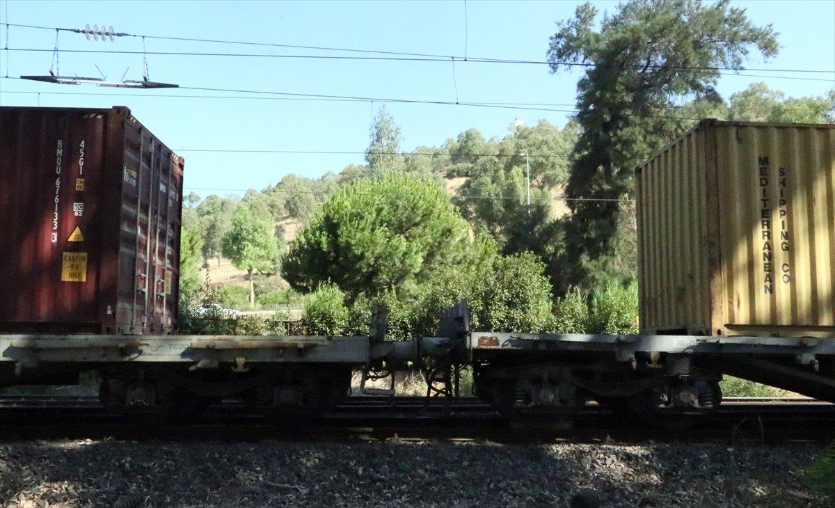 İzmir de yük treni taydan çıktı #2