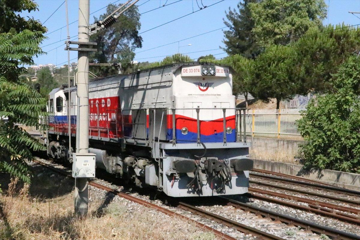 İzmir de yük treni taydan çıktı #3