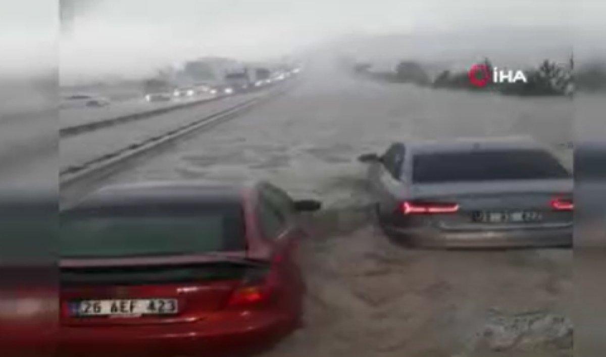 Ankara da sağanak sonrası sel #1
