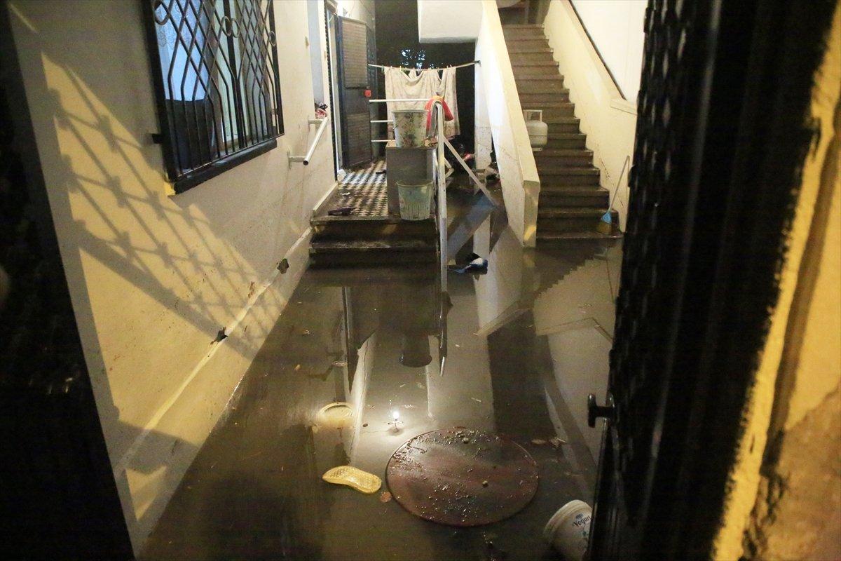 Mersin de sağanak yağış etkili oldu #1