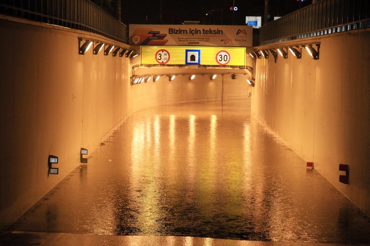 Mersin de sağanak yağış etkili oldu #5