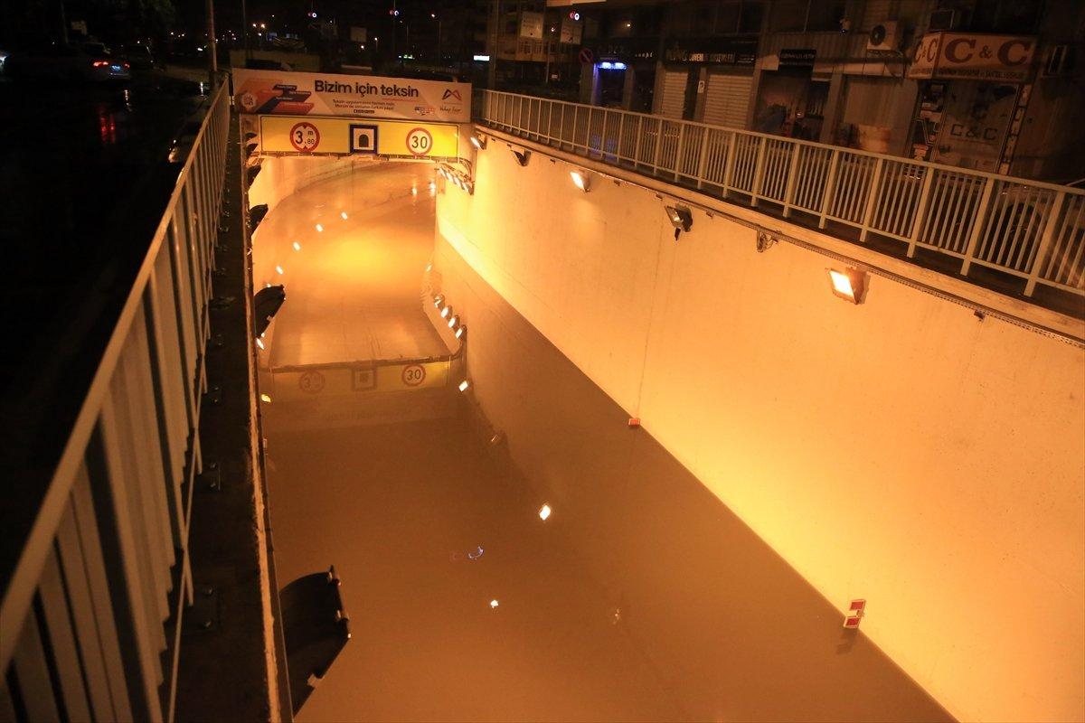 Mersin de sağanak yağış etkili oldu #4