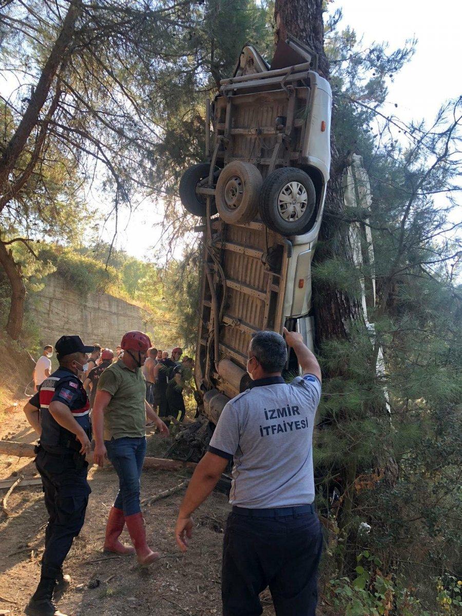 İzmir de türbe dönüşü kaza meydana geldi  #8