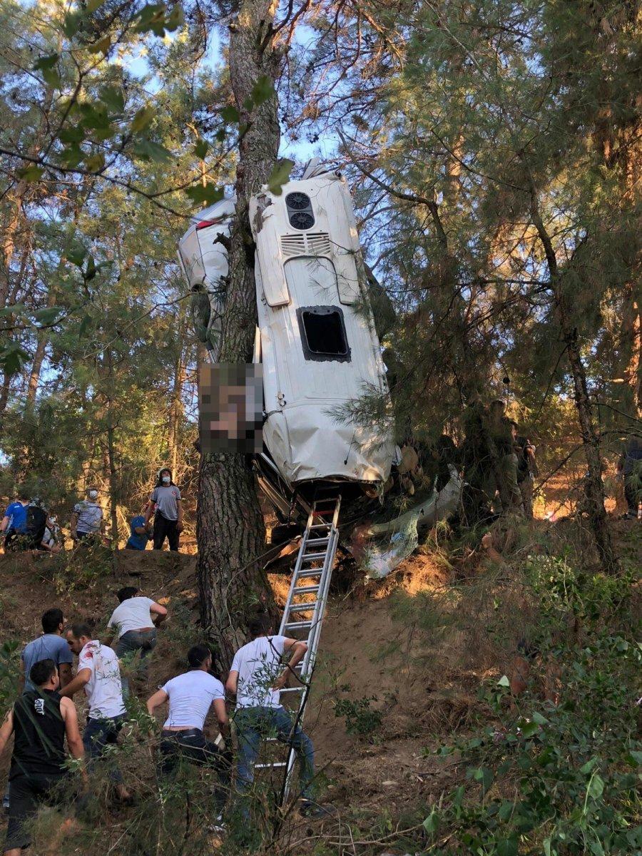 İzmir de türbe dönüşü kaza meydana geldi  #7