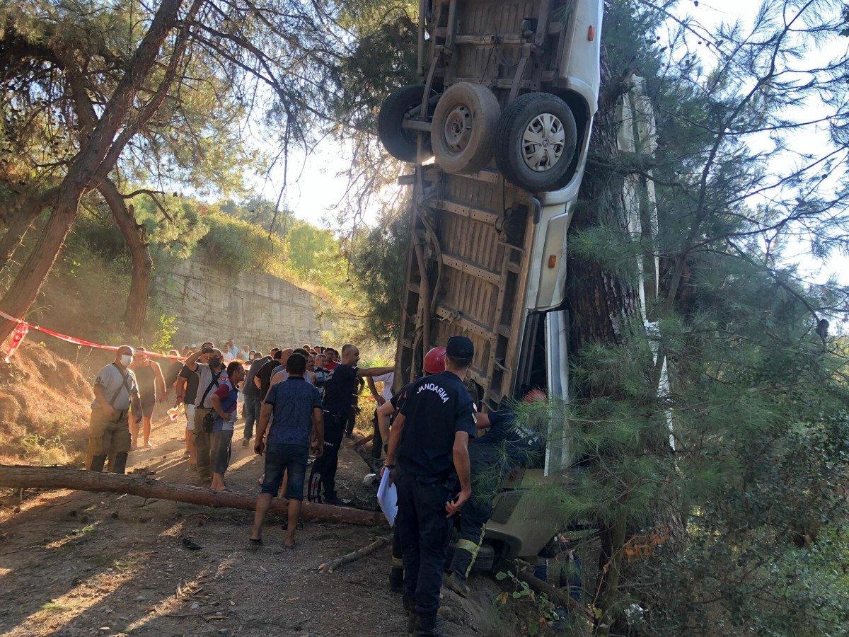İzmir de türbe dönüşü kaza meydana geldi  #2