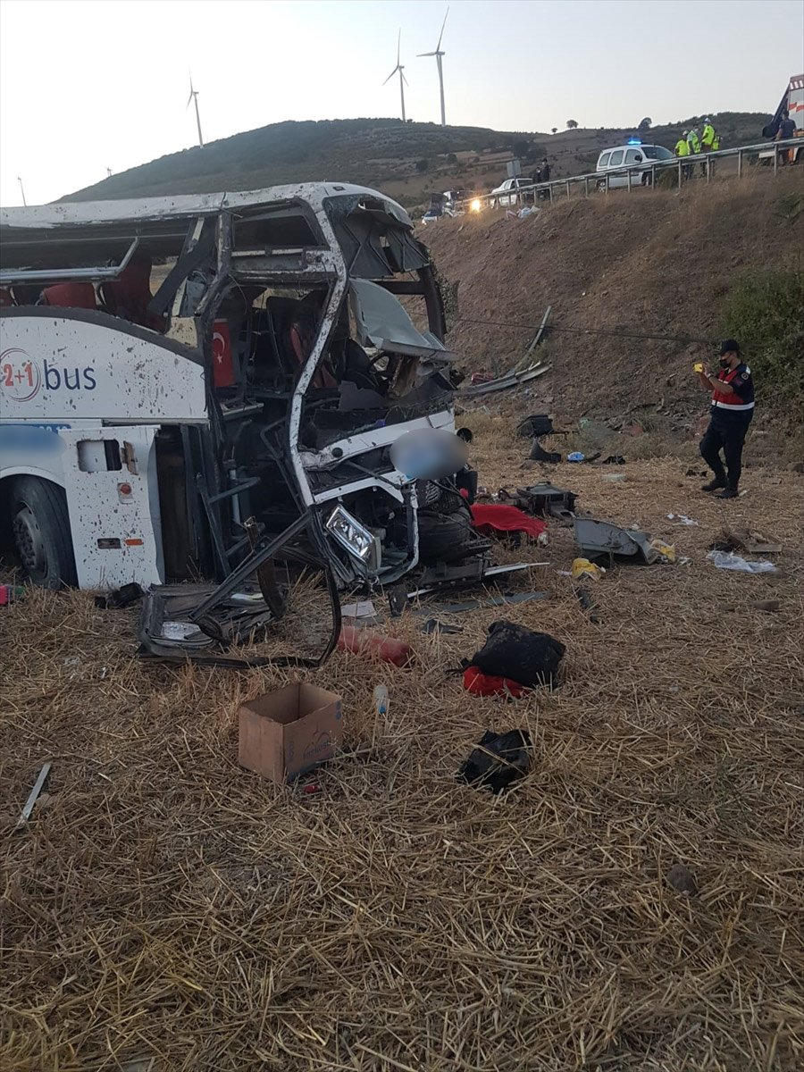 Balıkesir de yolcu otobüsü devrildi: 14 ölü #3