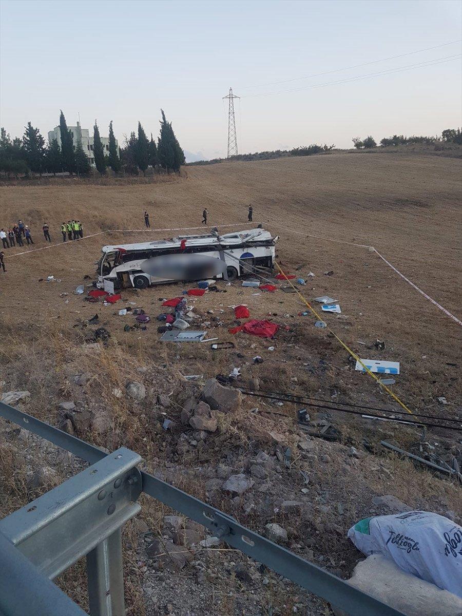 Balıkesir de yolcu otobüsü devrildi: 14 ölü #1
