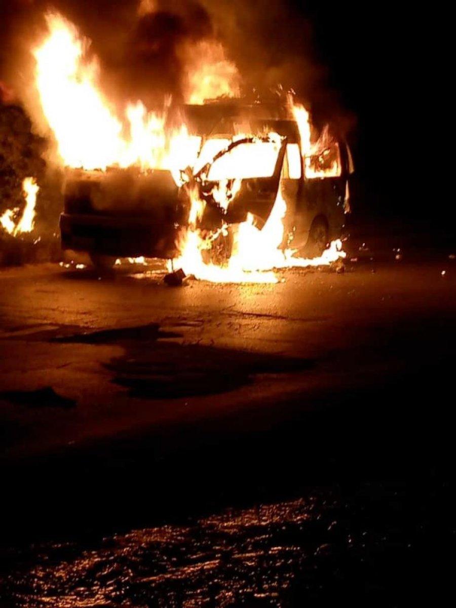 Pakistan'da yolcu minibüsü yandı: 10 ölü #2