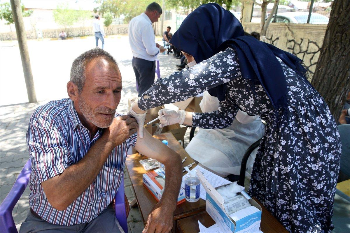 Muş ta aşı timleri, en ücra köylere aşı ulaştırıyor #8