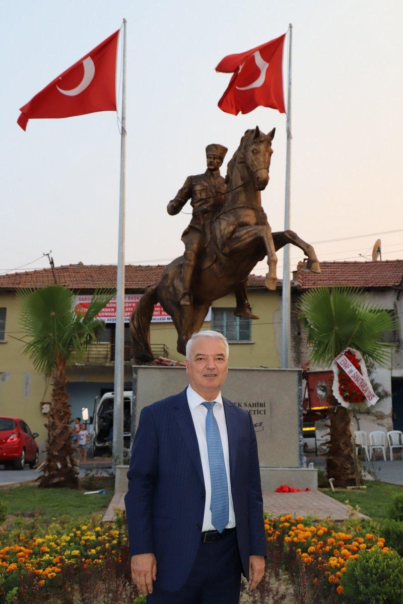 CHP li Saruhan Belediyesi nden heykel açılışı #5