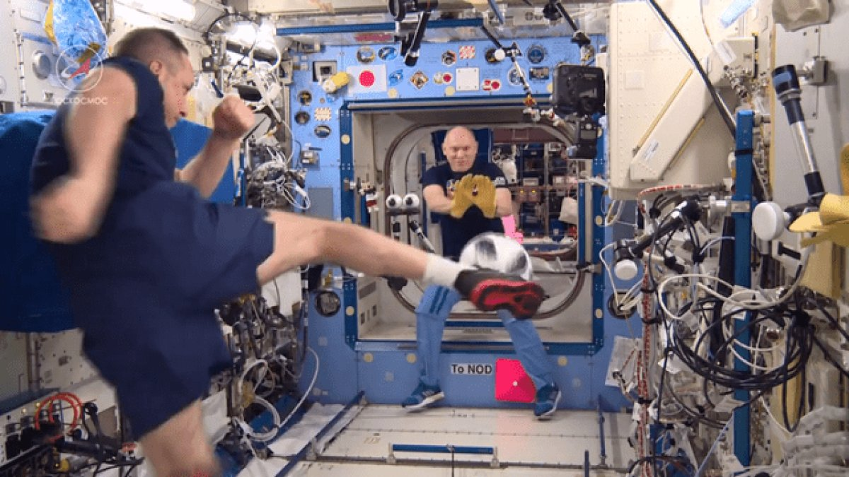 Uluslararası Uzay İstasyonu nda uzay oyunları yapıldı #1