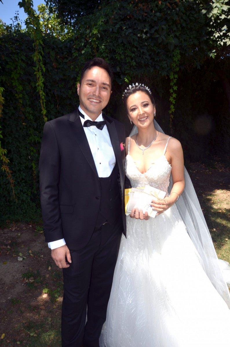 Düğünde gelenlere şeker yerine kitap verdiler #4