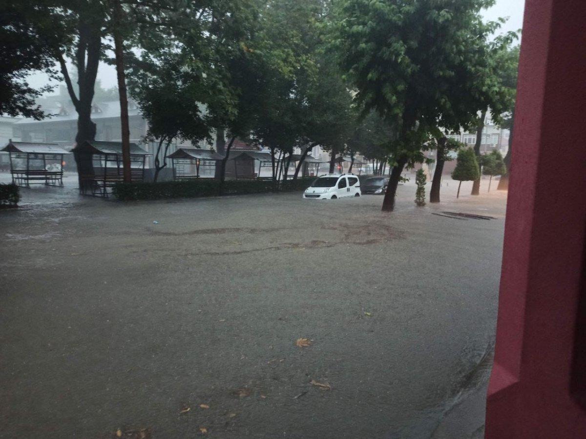 Kastamonu da sağanak yağışla yollar su altında kaldı #2