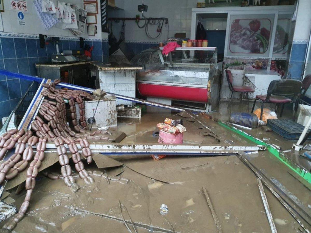 Sel sonrası Kastamonu nun Bozkurt ilçesi savaş alanına döndü #4