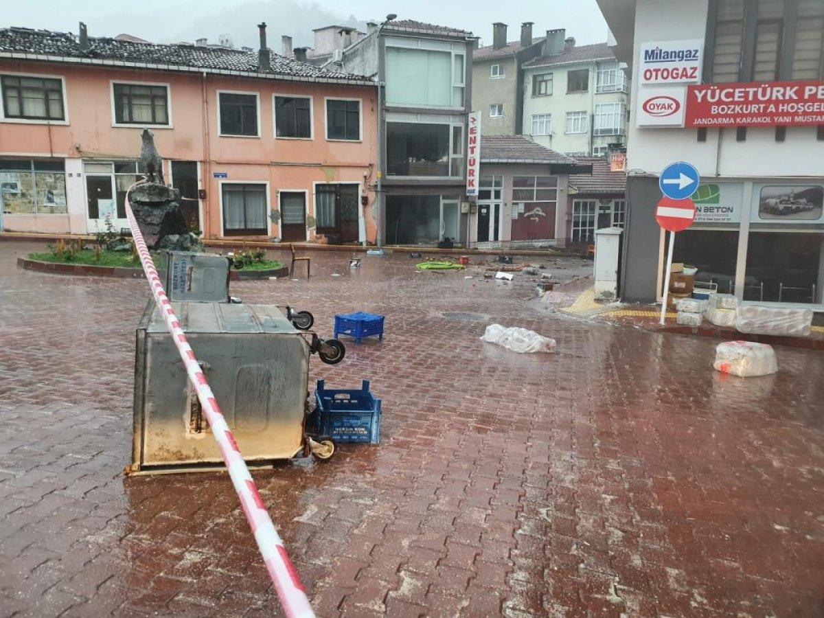 Sel sonrası Kastamonu nun Bozkurt ilçesi savaş alanına döndü #3