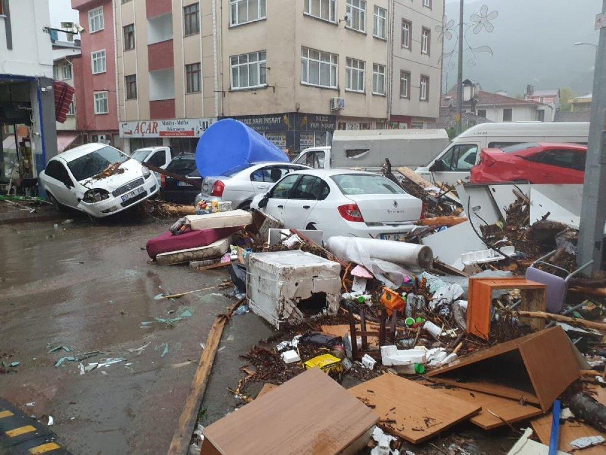 Sel sonrası Kastamonu nun Bozkurt ilçesi savaş alanına döndü #1