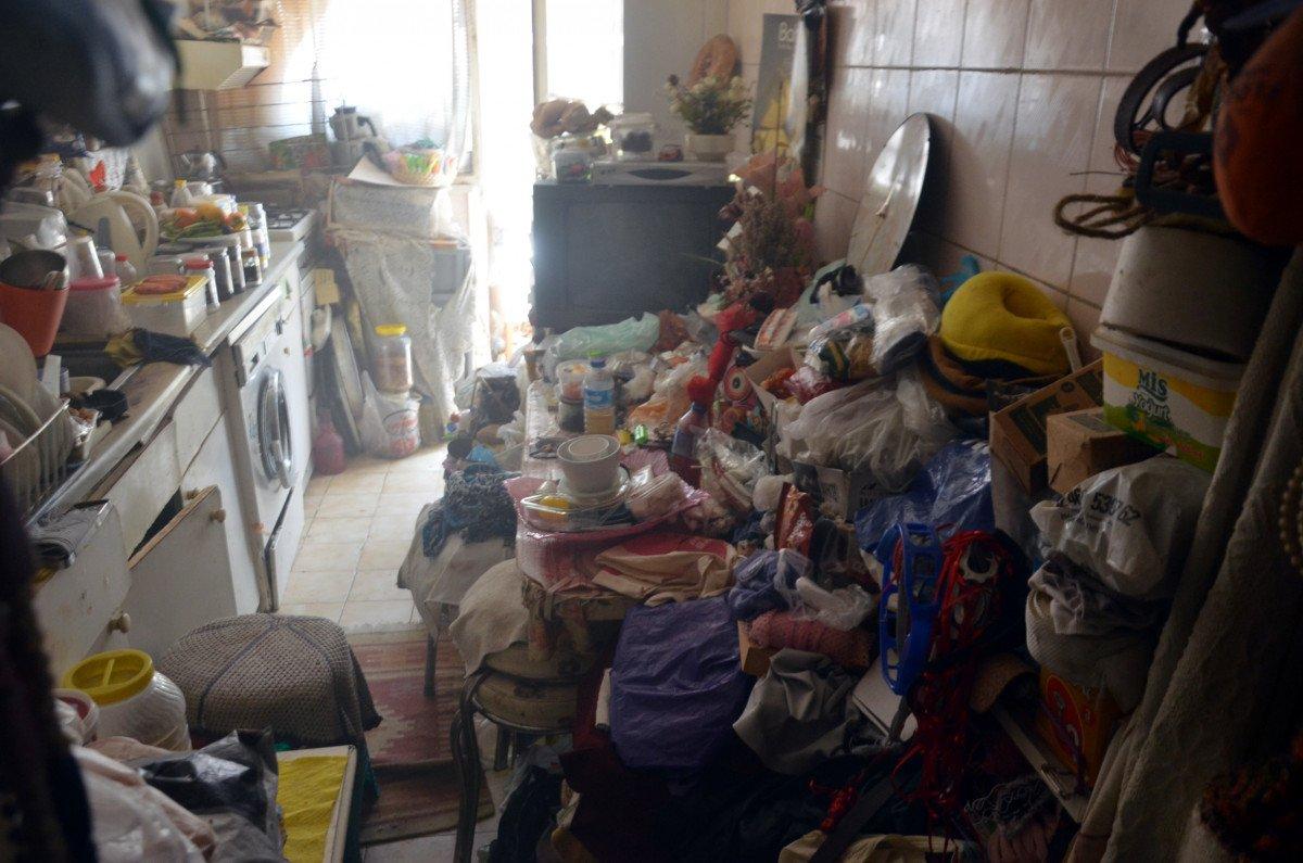 Avcılar da yangın ihbarına gittiler, çöp evle karşılaştılar #4