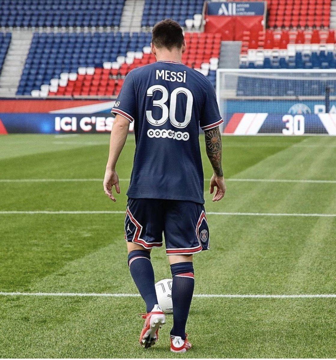 Lionel Messi formalarına yoğun ilgi #3
