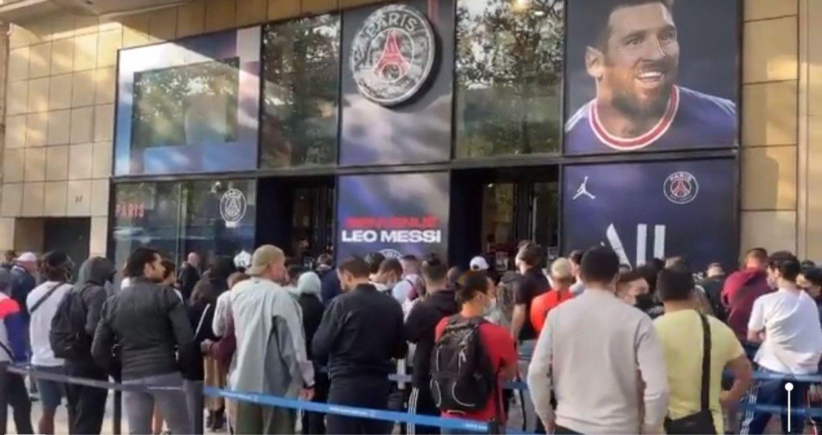 Lionel Messi formalarına yoğun ilgi #2