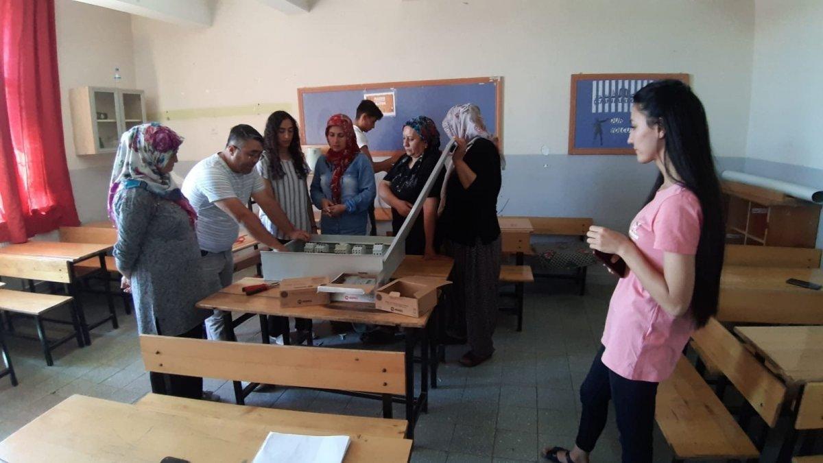 Adana da açılan elektrik kursuna kadınlar akın etti #4