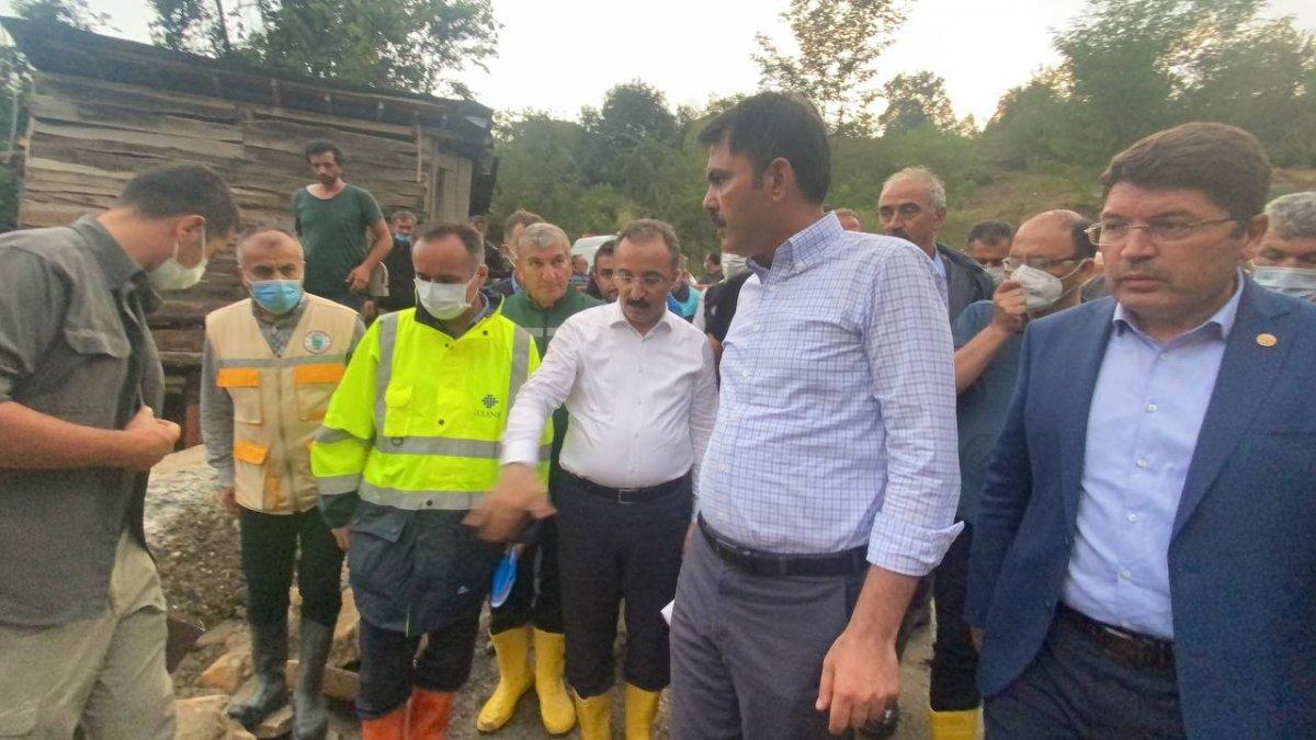 Murat Kurum, sel felaketinin yaşandığı Bartın'da #1