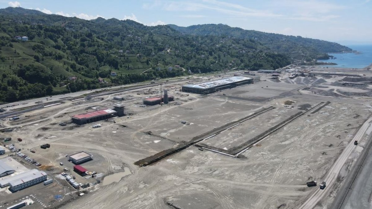 Rize-Artvin Havalimanı'nın uçuş kulesi ortaya çıkmaya başladı #7