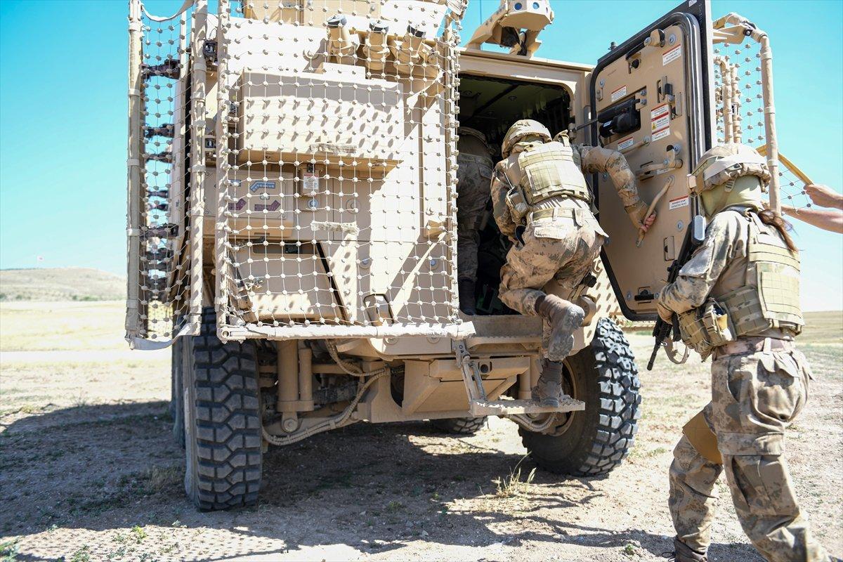 TSK nın  Özel Operasyonlar Aracı  vitrine çıkıyor #2