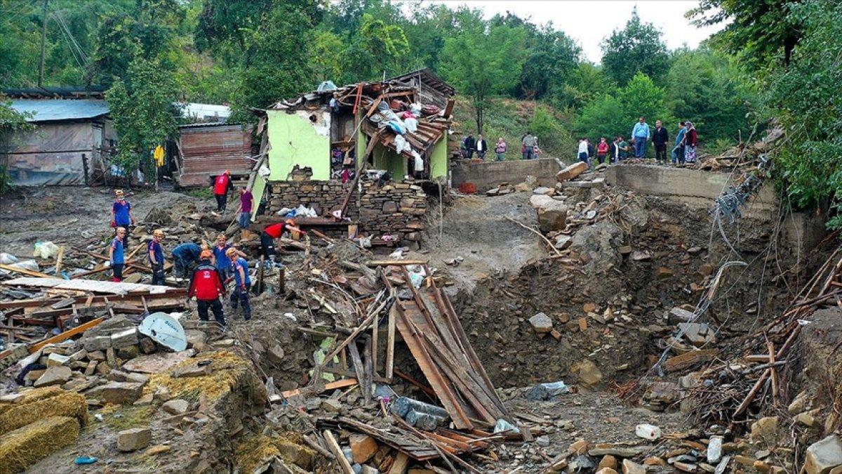 AFAD: Kastamonu da sel sularına kapılan 2 kişi hayatını kaybetti #1