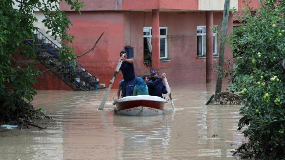 AFAD: Kastamonu da sel sularına kapılan 2 kişi hayatını kaybetti #2