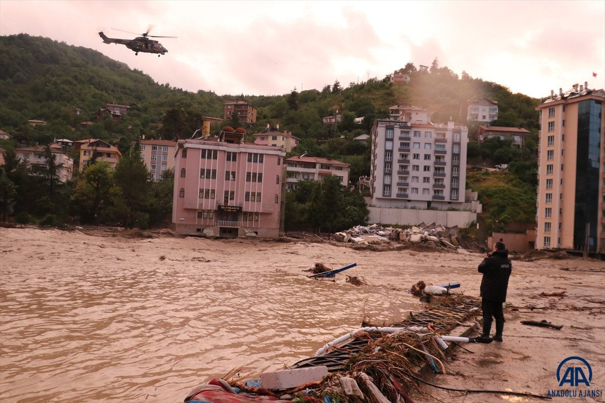 AFAD: Kastamonu da sel sularına kapılan 2 kişi hayatını kaybetti #3