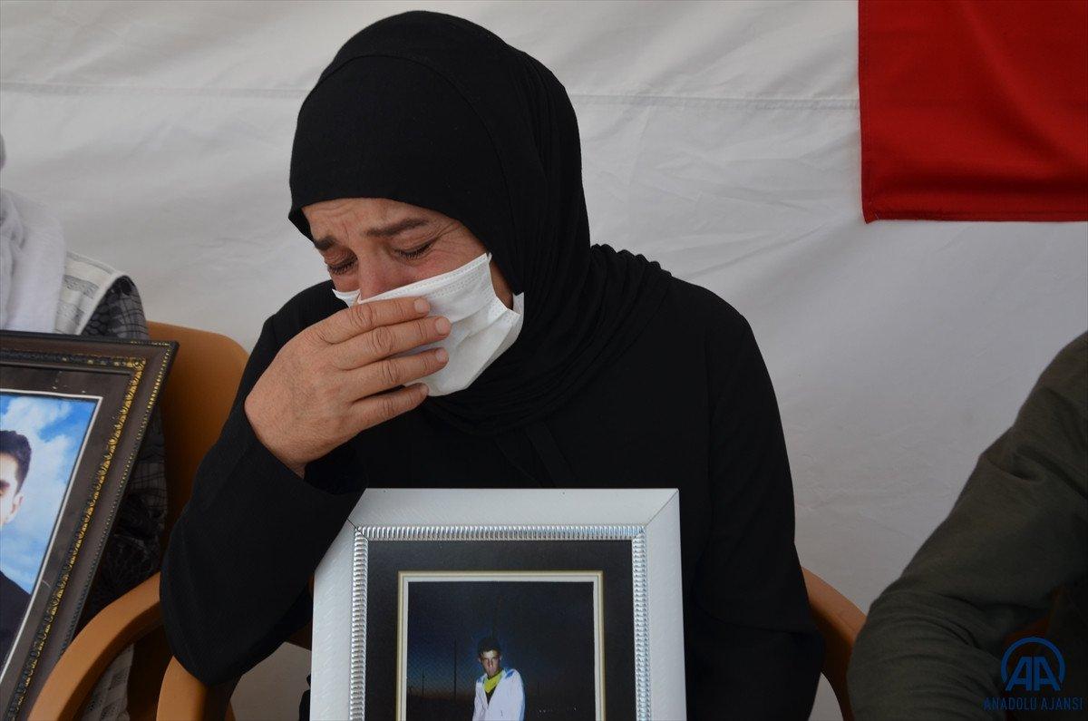 Muş ta anneler HDP il binası önünde evlat nöbeti tutuyor #9